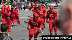 Хакеісты на рэпэтыцыі параду да 3 Ліпеня, архіўнае фота