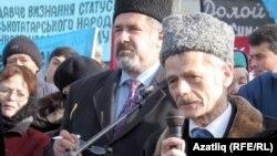 Лидеры крымско-татарской общины Рефат Чубаров и Мустафа Джемилев