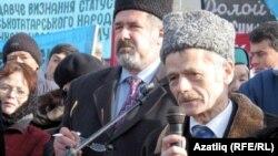 Украина-- Джемилев Мустафа (аьрр), Симферополехь митингехь.