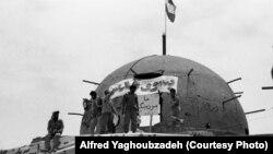 نیروهای ایرانی پس از بازپسگیری خرمشهر از ارتش عراق