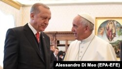 Pope Francis (right) with Turkish President Recep Tayyip Erdogan at the Vatican on February 5.