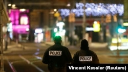 Полицейские в центре Страсбурга. Архивное фото.