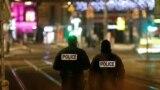Страсбургтегі атыс болған жерді күзетіп тұрған полицейлер. Страсбург, 11 желтоқсан 2018 жыл