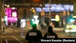 Полицейские в центре Страсбурга, где произошло нападение, 11 декабря 2018 года.