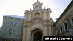 Брама Базылянскіх муроў у Вільні