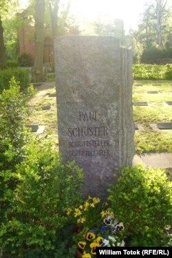 Mormântul lui Paul Schuster la Berlin