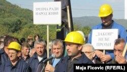 Radnici Trepče u Severnoj Mitrovici protestovali su protiv Zakona koji je usvojila Skupština Kosova