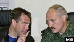 Дзьмітрый Мядзьведзеў іАляксандар Лукашэнка.