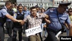 В 2011 году акции экологов в России часто заканчивались задержаниями