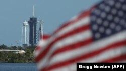 موشک فالکون ۹ اسپیس ایکس که بارها در سالهای اخیر موفق عمل کرده برای دومین باراز خاک آمریکا فضانورد به فضا حمل کرد.