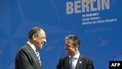 Генералниот секретар на НАТО Андерс Фог Расмусен и шефот на руската дипломатија Сергеј Лавров