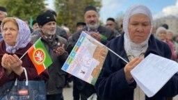 Фаузия Байрамова на митинге