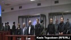 Подсудимые «по делу Кулекбаева» и их защитники. Алматы, 17 октября 2016 года.