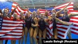Reprezentativke SAD nakon pobede u finalu OI u Riju