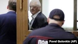 63-річний Берг заперечує провину