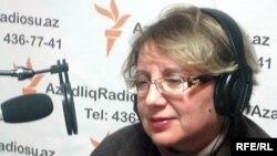 Директор Института мира и демократии (ИМД) Лейла Юнус, 2010