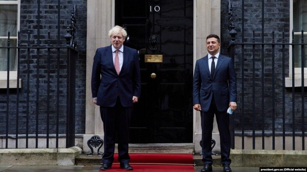 Угоду про співробітництво, вільну торгівлю та стратегічне партнерство з Великою Британією підписав президент Володимир Зеленський під час офіційного візиту до Лондона в жовтні 2020 року