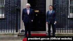 Премьер-министр Великобритании Борис Джонсон и президент Украины Владимир Зеленский в Лондоне