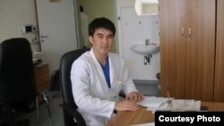 Максат Досханов, хирург Национального центра хирургии имени Сызганова.