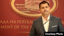 Портпаролот на Владата на Македонија, Миле Бошњаковски