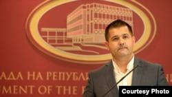 Архива: Портпаролот на Влада на Македонија, Миле Бошњаковски.