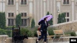 Дожд во Скопје.
