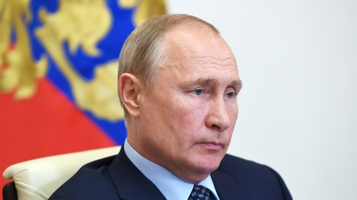 Russia Demands Apology From Bloomberg Over Report About Putin's Low Ratings