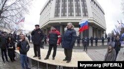 Захват Крыма. Как это было. 28.02.2014 (фотогалерея)