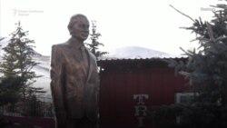 """Статуа на Путин """"никна"""" во Киргистан"""