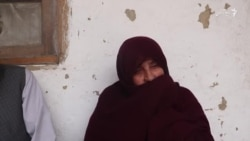 مادر غمدیدهای در آرزوى صلح، كه پسرانش در دو جبههٔ مخالف كشته شدند