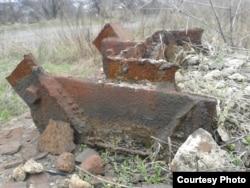 Зрізані на металобрухт та вивезені до Росії опори канатної дороги до ЦЗФ «Кисилівська». Фото автора