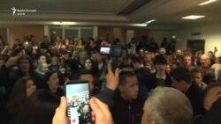Protestuesit hyjnë në ndërtesën e Televizionit Shtetëror