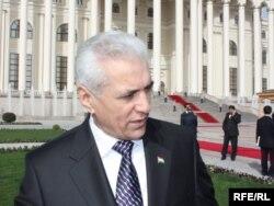 Тәжікстанның бұрынғы сыртқы істер министрі Хамрохон Зарифи. Душанбе, 18 наурыз 2010 ж.