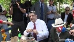 Վարչապետն ու Աժ նախագահը ճաշել են վետերանների հետ