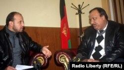 انجنیر فرید الله شیرزی در حال مصاحبه با خبرنگار رادیو آزادی سید فتح محمد بها