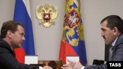 Оьрсийн президент хилла Медведев Дмитрий гIалгIайн президентца Евкуров Юнусбекца, Сочи,17Мар2010