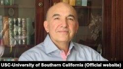 محمد هاشم پسران، اقتصاددان و استاد اقتصاد دانشگاه کالیفرنیای جنوبی
