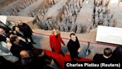 خانم و آقای مکرون در چین