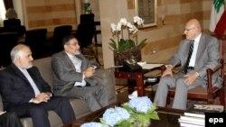 علی شمخانی (نفر وسط) در دیدار با تمام سلام، نخستوزیر لبنان