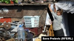 Romi su populacija čija su prava među naugroženijim, fotografija iz naselja u blizini Podgorice, septembar 2010