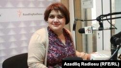 """Xədicə İsmayıl AzadlıqRadiosunun """"İşdən sonra"""" proqramını aparır, 2014"""