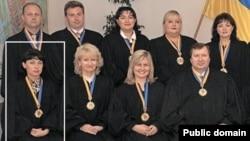 Суддя Олена Сітайло (ліворуч)<br> (фото з сайту pravda.com.ua)