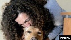 Marijana i njen pas Ksena