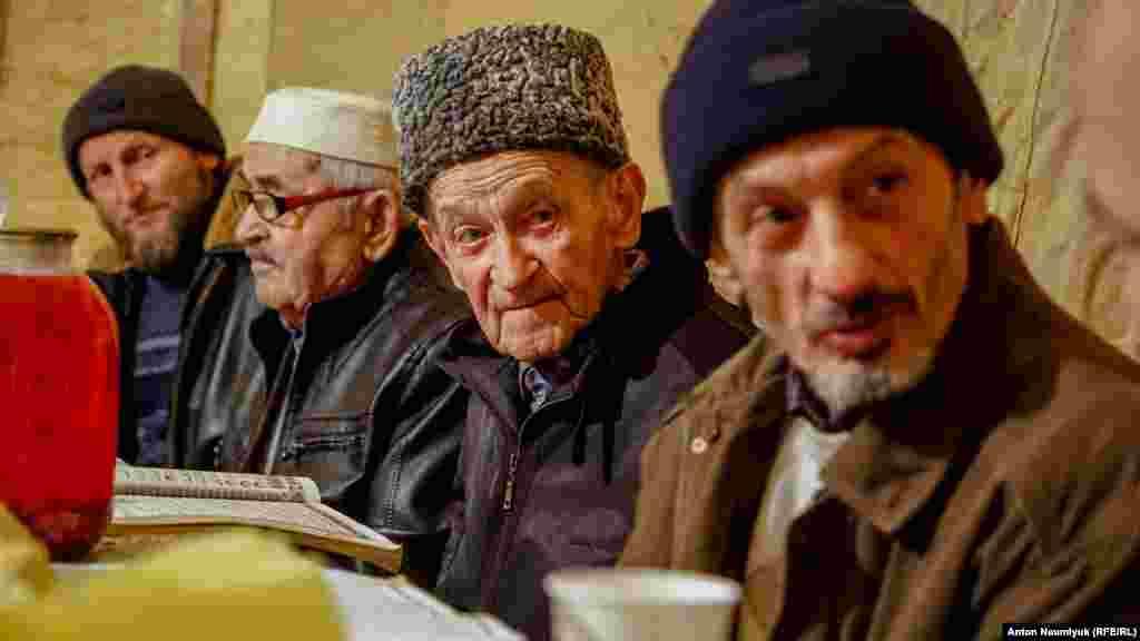 Верховный суд России запретил «Хизб ут-Тахрир» в 2003 году, включив в список 15 объединений, названных «террористическими»