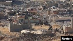 Forcat kurde sot në qytetin e rrënuar Sinxhar në Irak