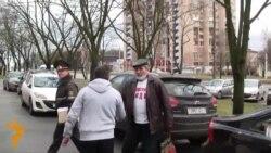 Юрыя Рубцова прывезьлі ў суд Савецкага раёну Менску