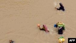 Pakistanyň Sukkur regionynda, 9-njy awgust 2010-njy ýyl.