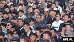 По мнению экспертов, Киргизии уже в апреле-мае следует ожидать развития каких-то стихийных форм массового протеста под руководством Феликса Кулова