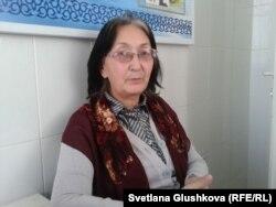 2014 жылы Балқаш қаласындағы психиатриялық ауруханаға күшпен емдеу үшін екі мәрте жатқызылған құқық қорғаушы Зинаида Мухортова.