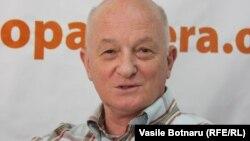 Expertul politic Oazu Nantoi în studioul Europei Libere